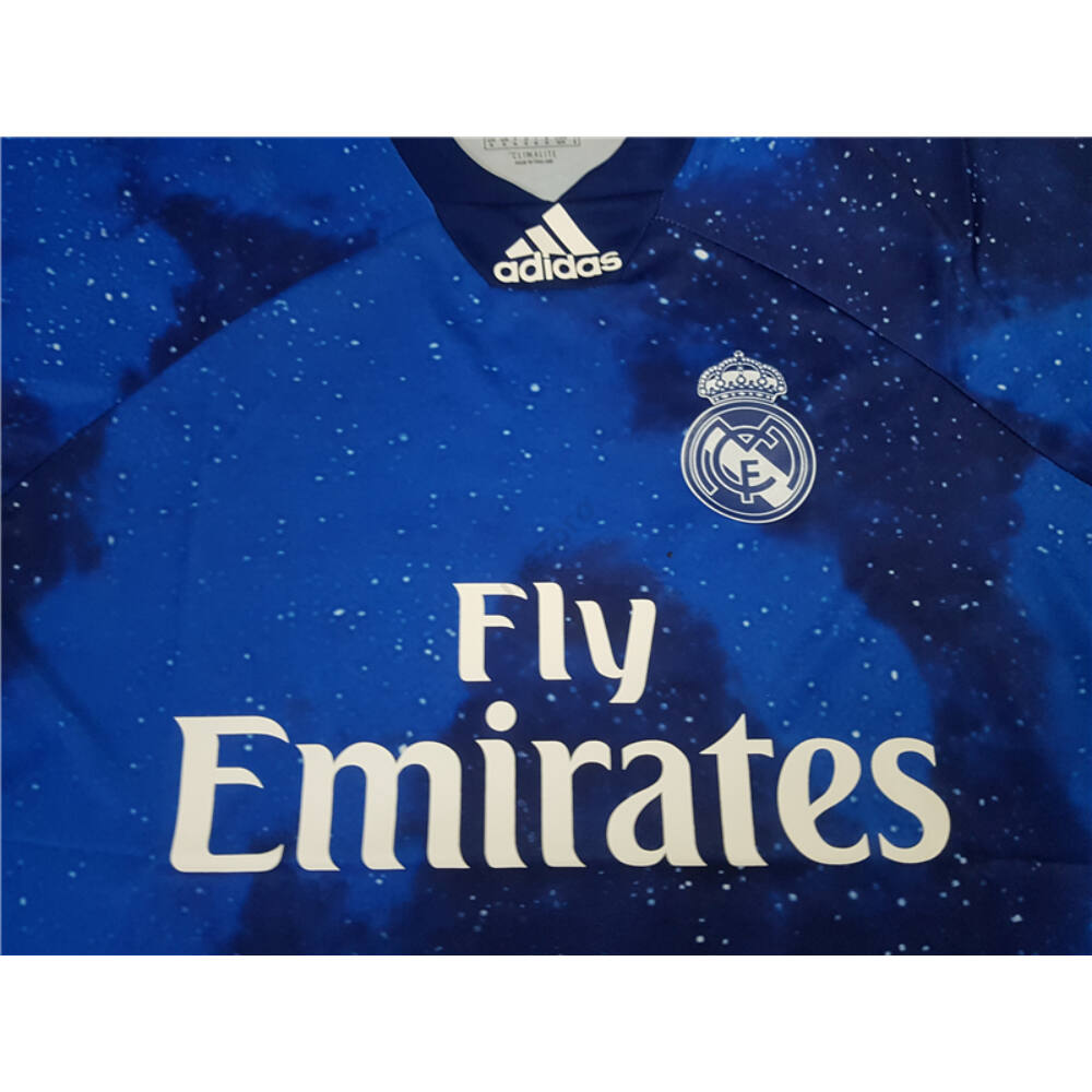 Real Madrid 4. számú rövid ujjú EA SPORTS mez - Férfi - Spanyol ... 58c51f4fd2